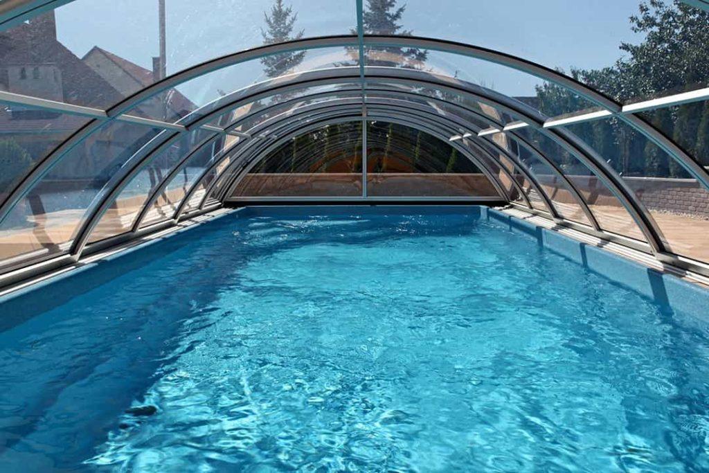 abri piscine vue dessous