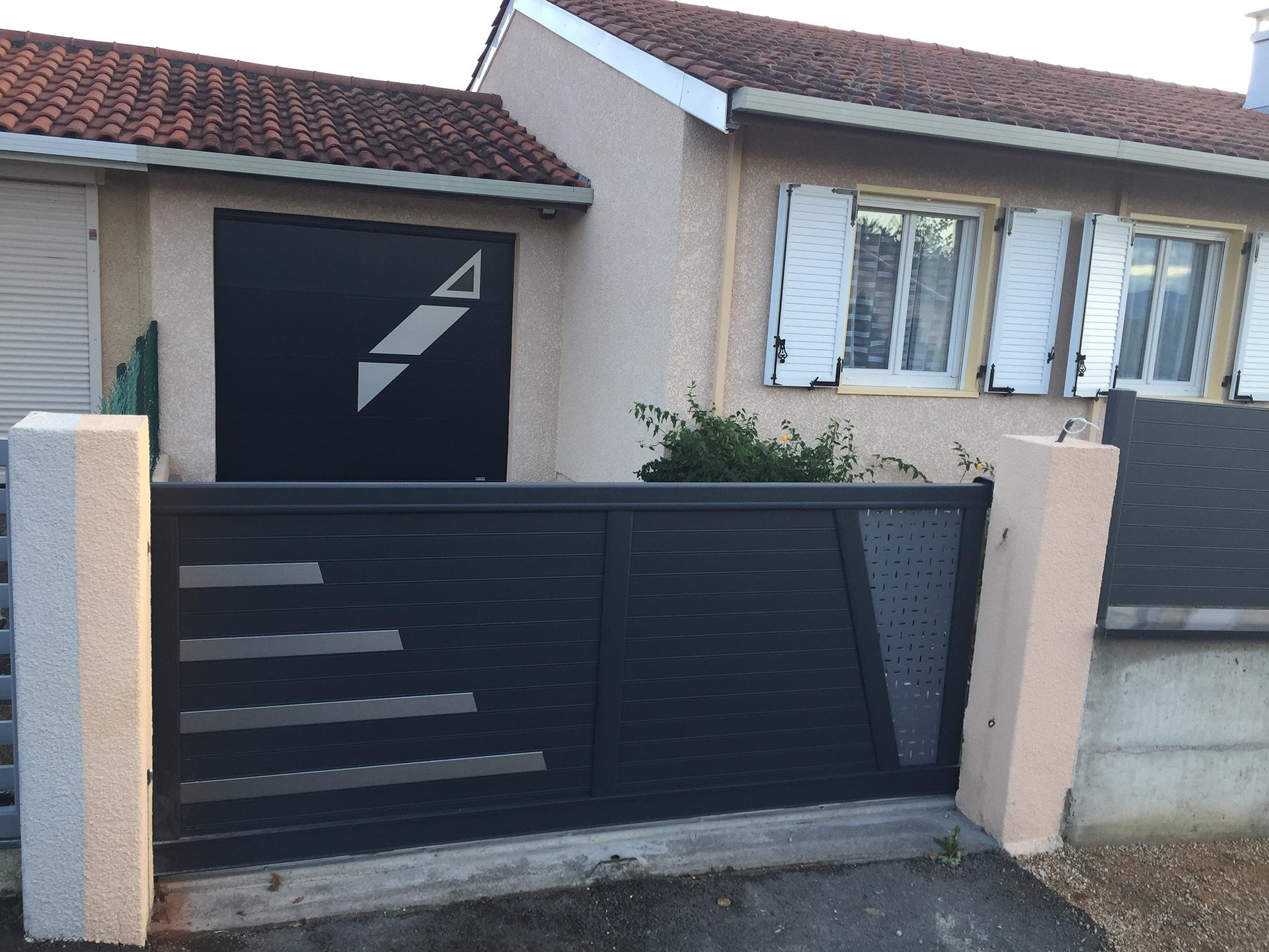 portail cloture et porte de garage aluminium gris foncé