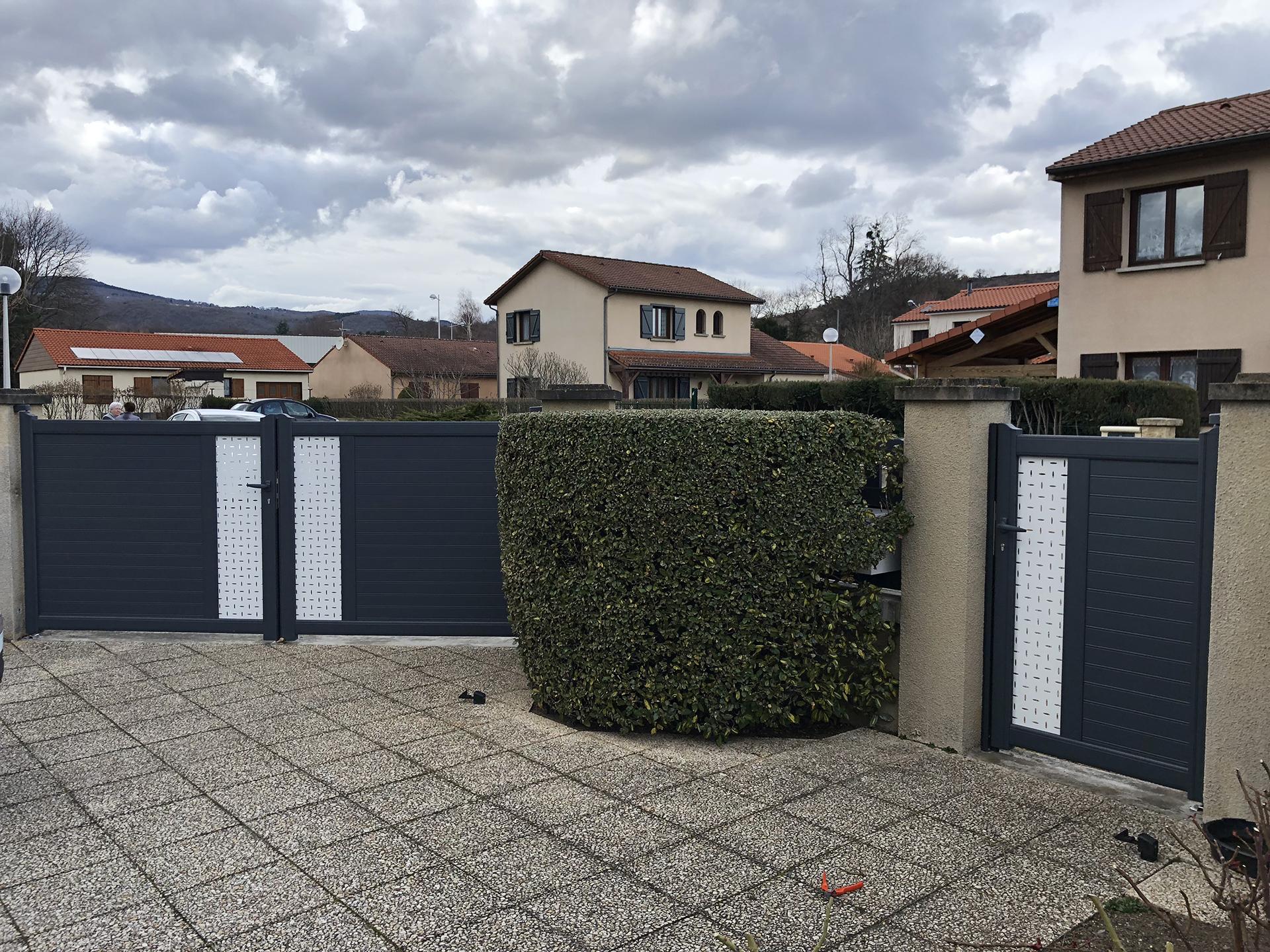 portail et portillon aluminium noir et blanc