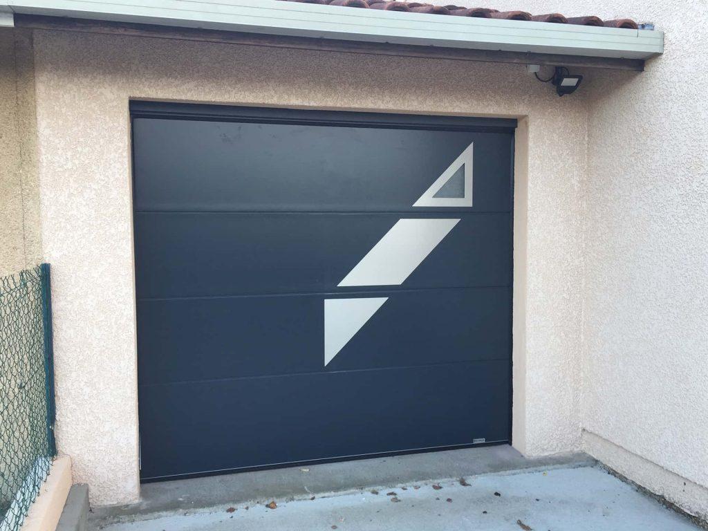 porte de garage aluminium avec fenetre